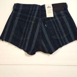 BRAND NEW Levi's High-Rise Shorts